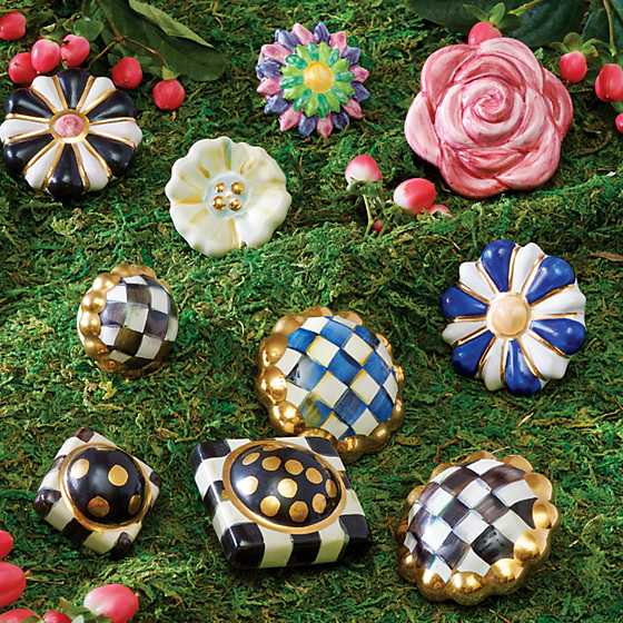 Petit Four Square Knob - Courtly Check image six