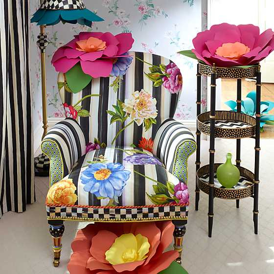 Cutting Garden Accent Chair image two