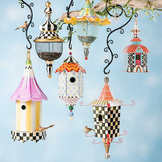 Flyer's Folly Birdhouse image ten
