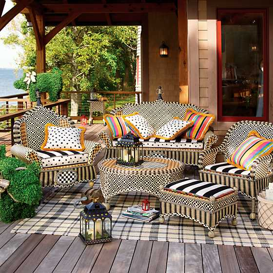 Courtyard Outdoor Loveseat - Bathing Hut image two