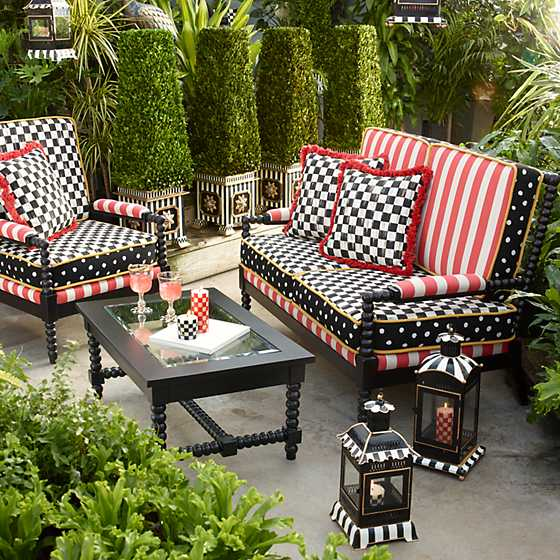 Spindle Cabana Outdoor Loveseat image ten