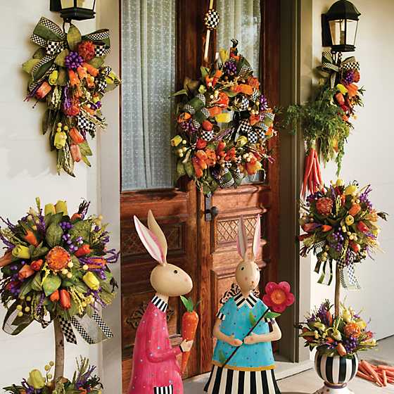 Courtly Check Wreath Hanger image ten
