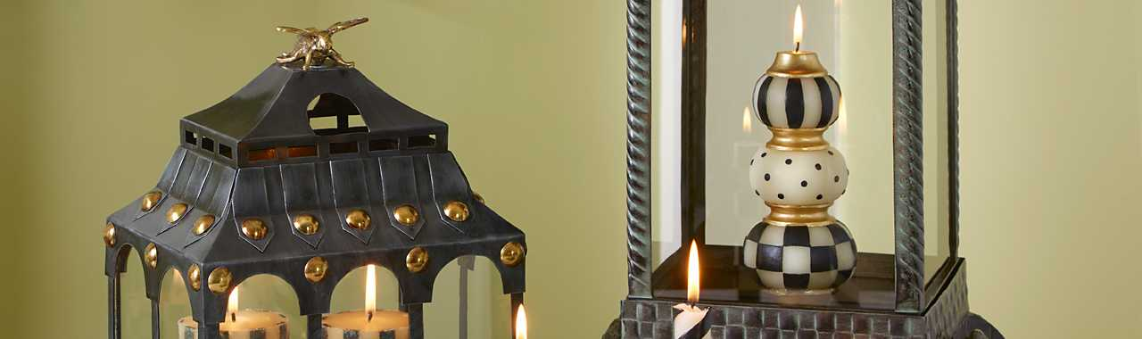 Finial Candle - Black & Ivory Banner Image