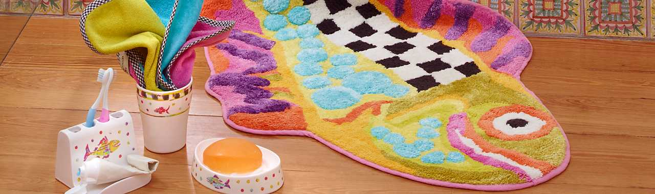 Happy Fish Bath Rug Banner Image
