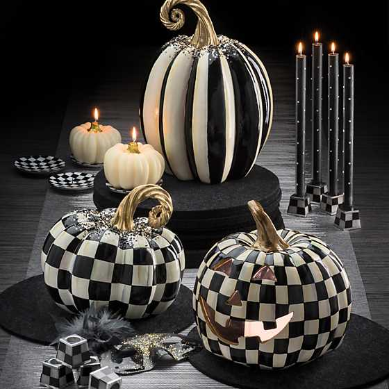 Round Candle Holders - Black & Pearl - Set of 2 image two