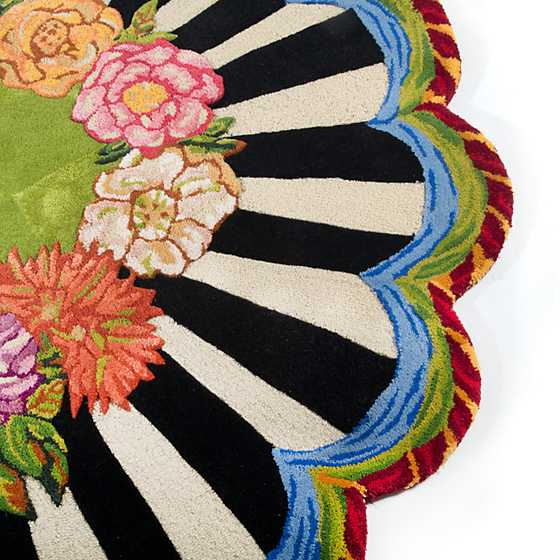 Cutting Garden Rug - 6' Round image three