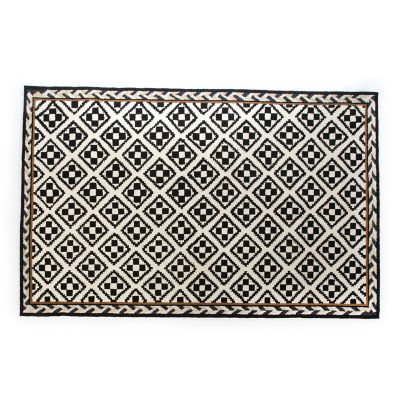 Courtyard Outdoor Rug - 5' x 8'