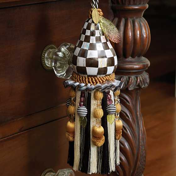 Courtly Check Pear Tassel image three