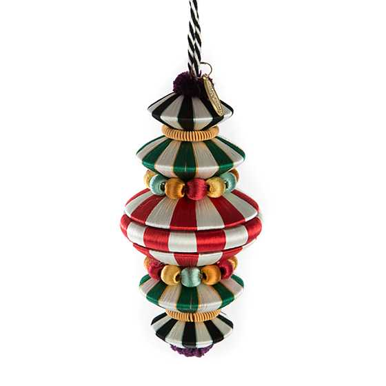 Lolo Tassel - Holiday image two