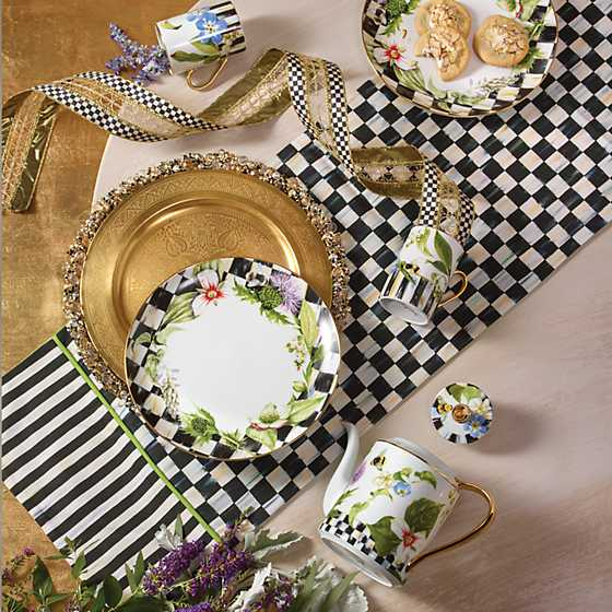 Thistle & Bee Dinner Plate - Garland image seven