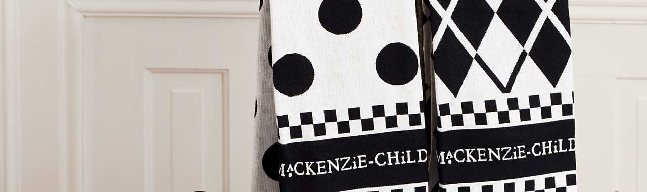 Black & White Dot Dish Towels - Set of 3 Banner Image