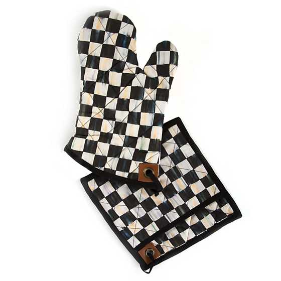 Courtly Check Bistro Oven Mitt image three