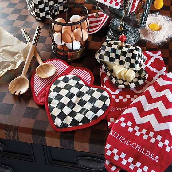 Courtly Check Heart Pot Holder image six