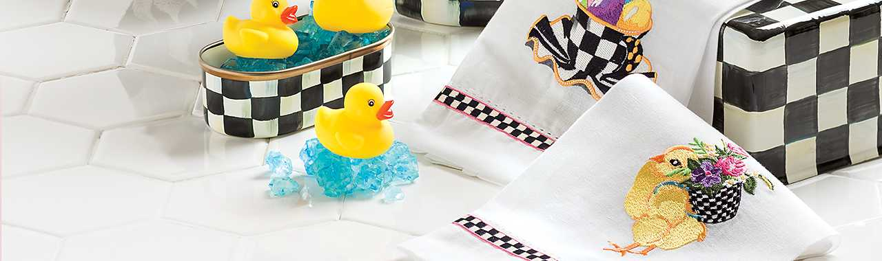 Chicks & Eggs Guest Towels - Set of 2 Banner Image