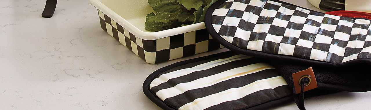 Courtly Check Double Oven Mitt - Large Banner Image