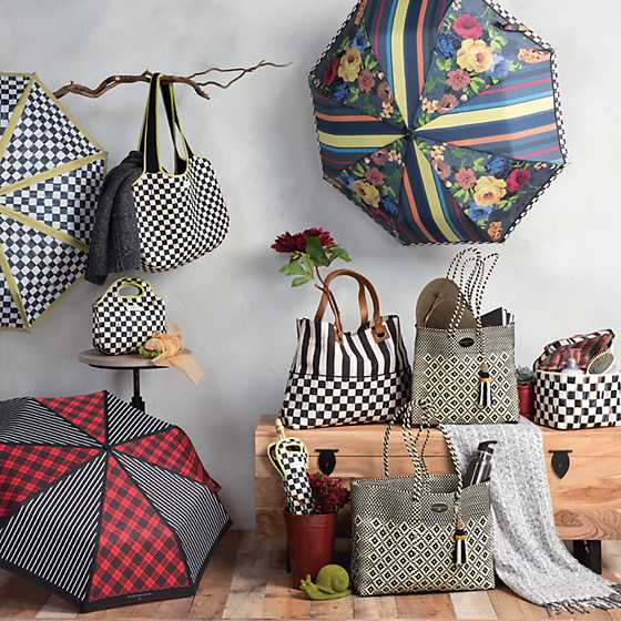 Courtly Check Carryall image three