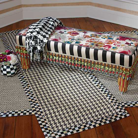 Houndstooth Throw - Black & Ivory image seven