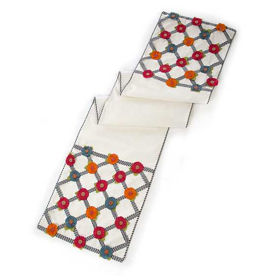 Tic-Tac-Posie Table Runner