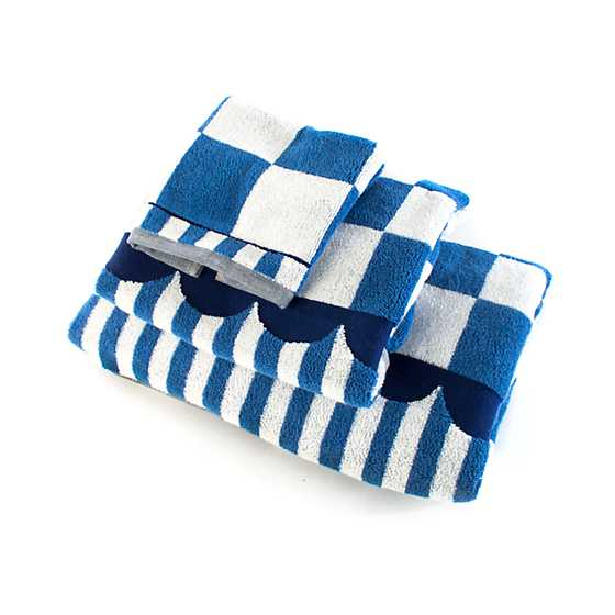 Royal Check Bath Towel image three