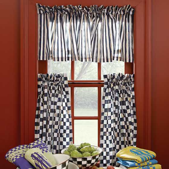 Courtly Stripe Cafe Valance image two