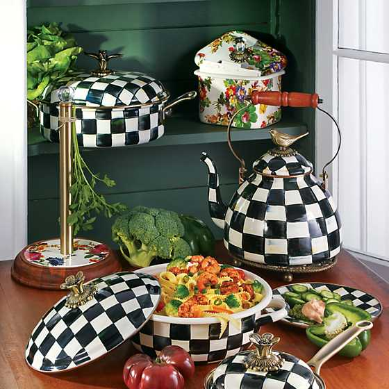 Courtly Check Enamel Casserbole - Medium image eight