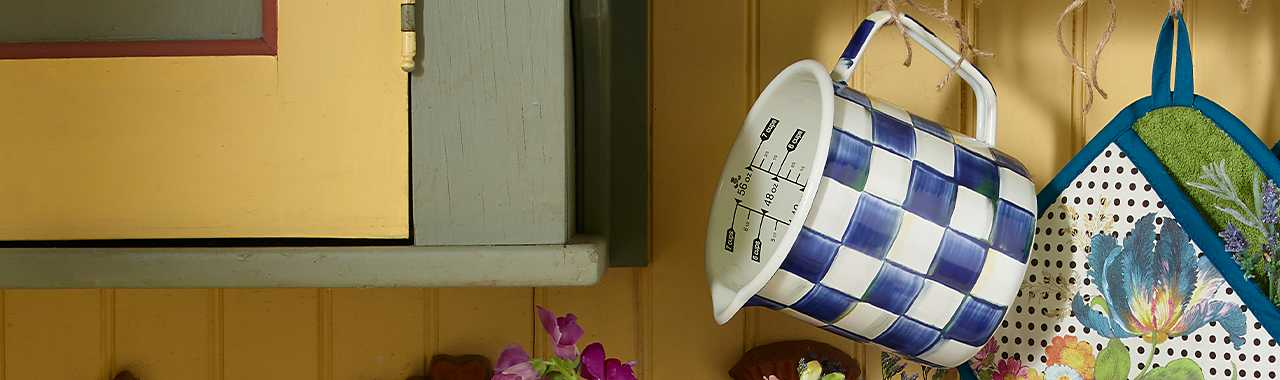 Royal Check 7 Cup Measuring Cup Banner Image
