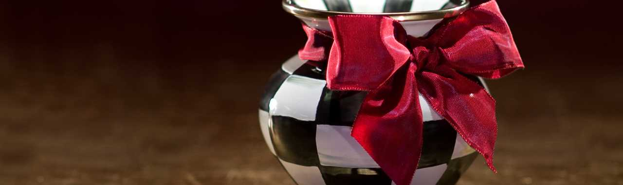 Courtly Check Enamel Vase - Red Bow Banner Image