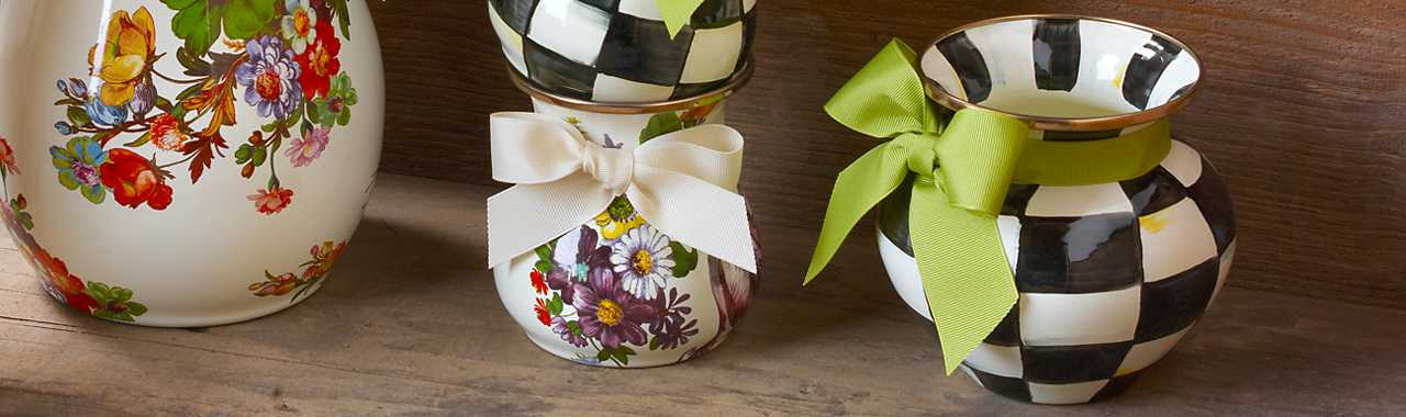 Courtly Check Enamel Vase - Green Bow Banner Image