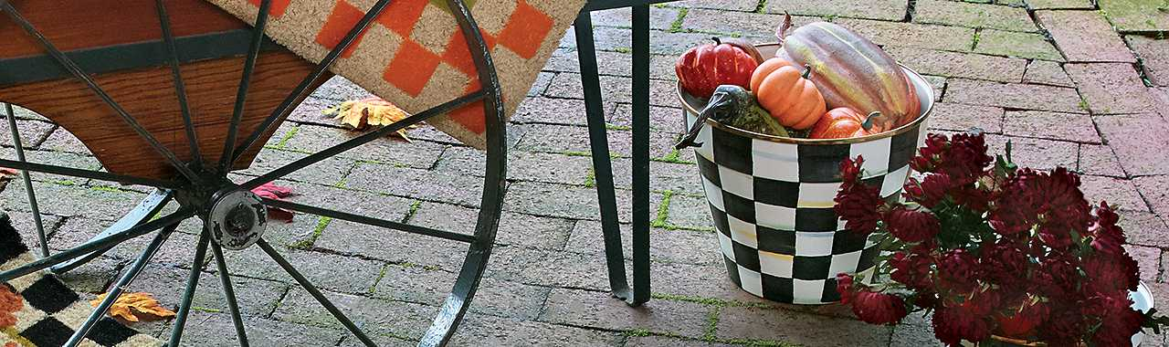Courtly Check Enamel Garden Pot - Extra Large Banner Image
