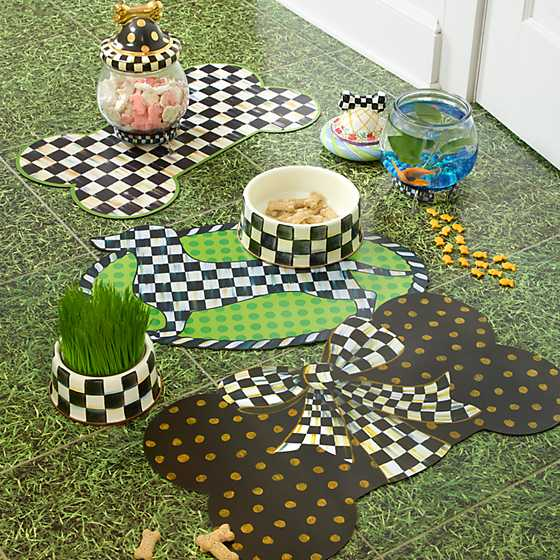 Courtly Check Pup Placemat image seven