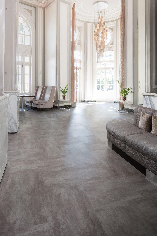 luxury vinyl flooring - metal - poper gray | mohawk group