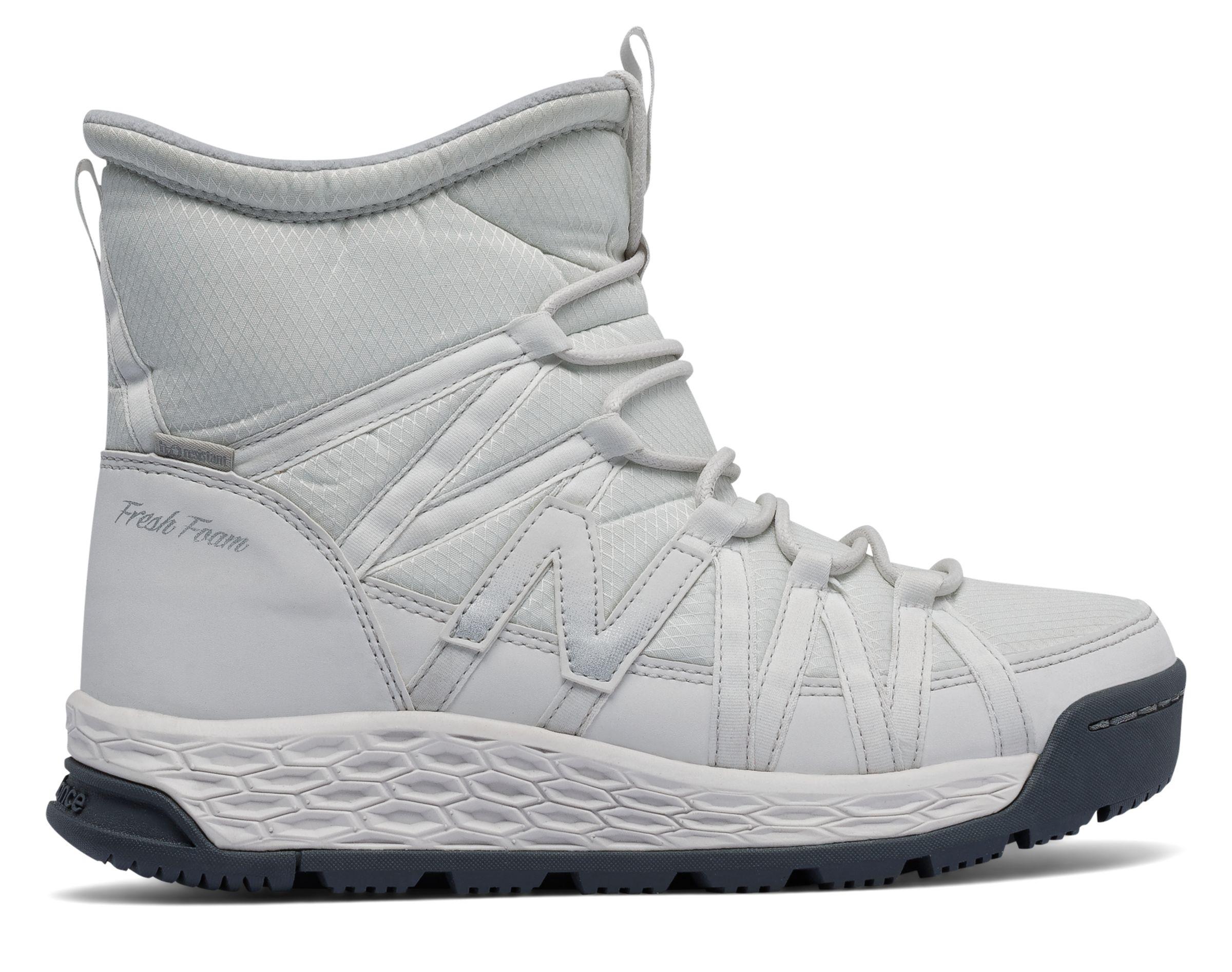 *Markdown*  Women's Fresh Foam 2000 Boot