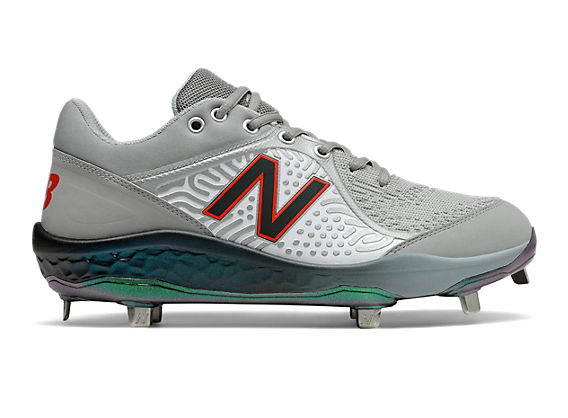 Low-Cut 3000v5 VIP Metal Cleat    , Grey with White & Green