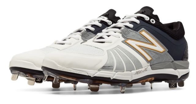 Playoff Pack Low-Cut 3000v2 Metal Cleat