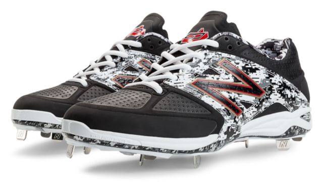 Low-Cut 4040v2 Pedroia Metal Baseball Cleat