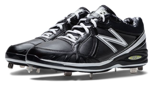 Mens Baseball Low-Cut 3000 Cleat