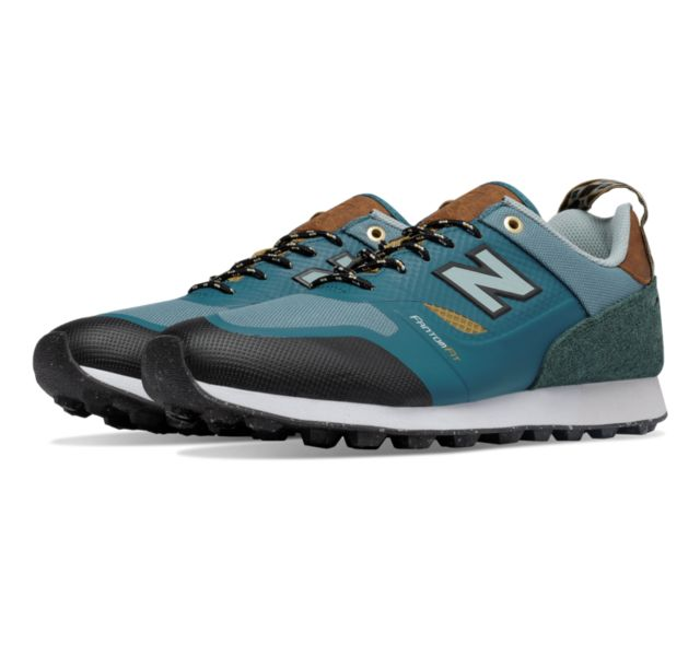New Balance Mens Trailbuster Re-Engineered Sneakers