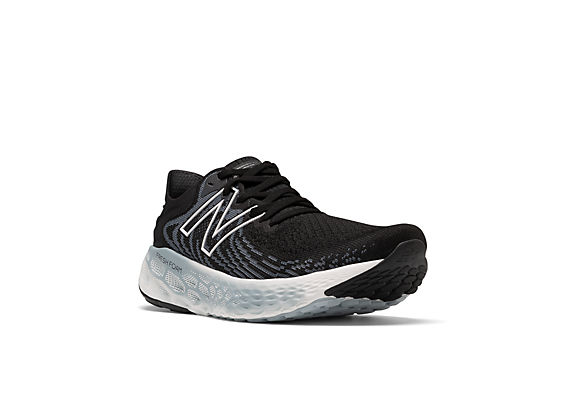 Women's Fresh Foam 1080v11, Black with Thunder