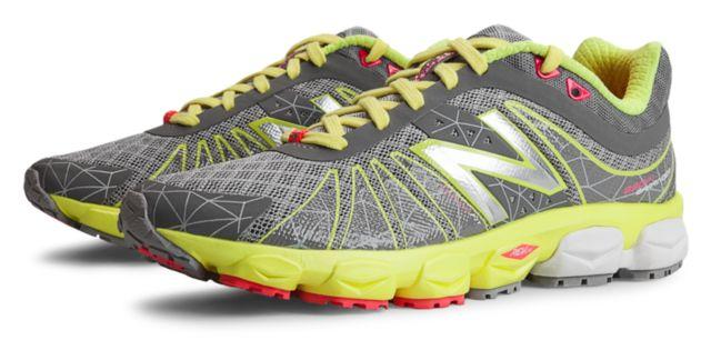 Womens Running 890v4