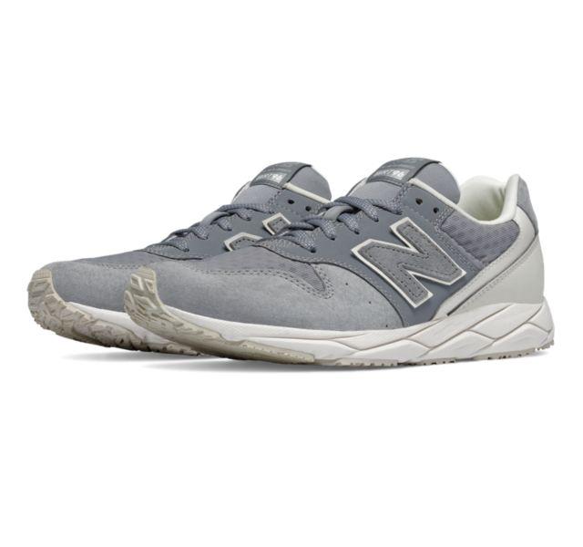 New Balance 623v3 oro