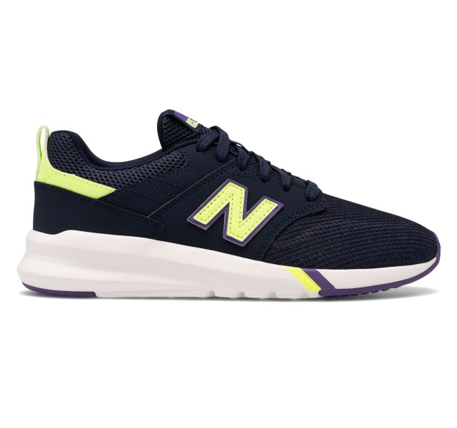 New Balance Women's 009 Lifestyle Shoe Sneaker