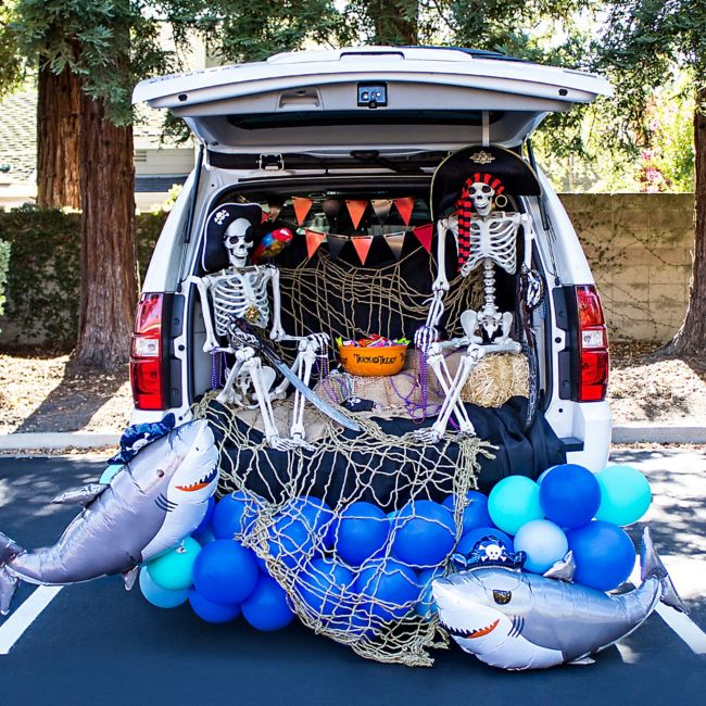 22 Trunk Or Treat Ideas That Rev Up Halloween Fun Party City