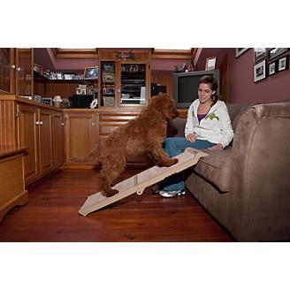Pet Gear Carpeted Short Bi-Fold Pet Ramp