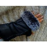 Morris Kaye Handsfree Shearling Gloves w/Rabbit Bl