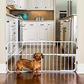 Carlson Pet Lil Tuffy Expandable Gate w/ Pet Door