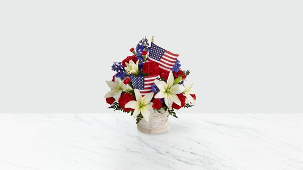 American Glory™ Bouquet - BASKET INCLUDED - Thumbnail 1 Of 2