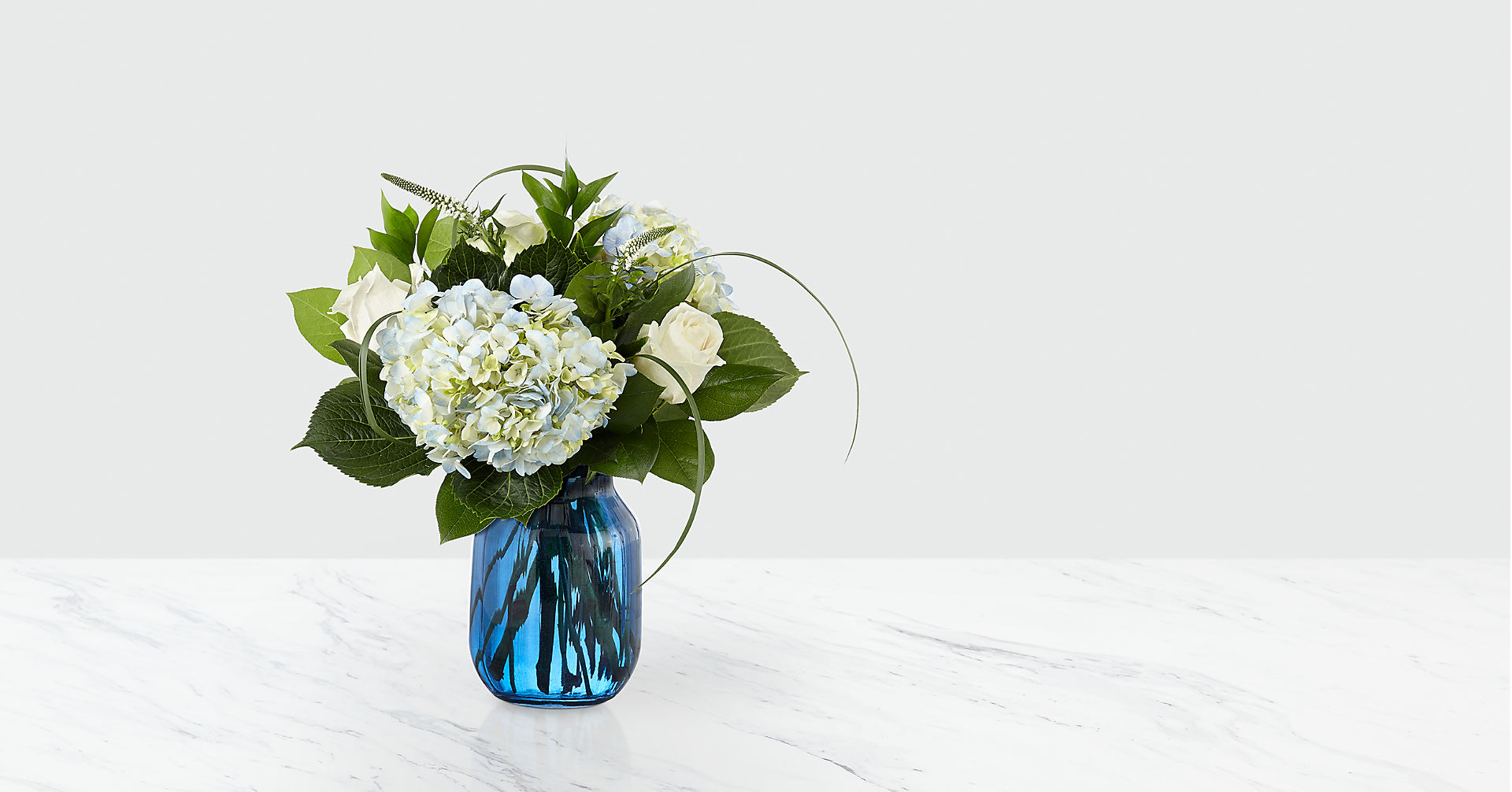 Crowned™ Bouquet - Image 1 Of 3