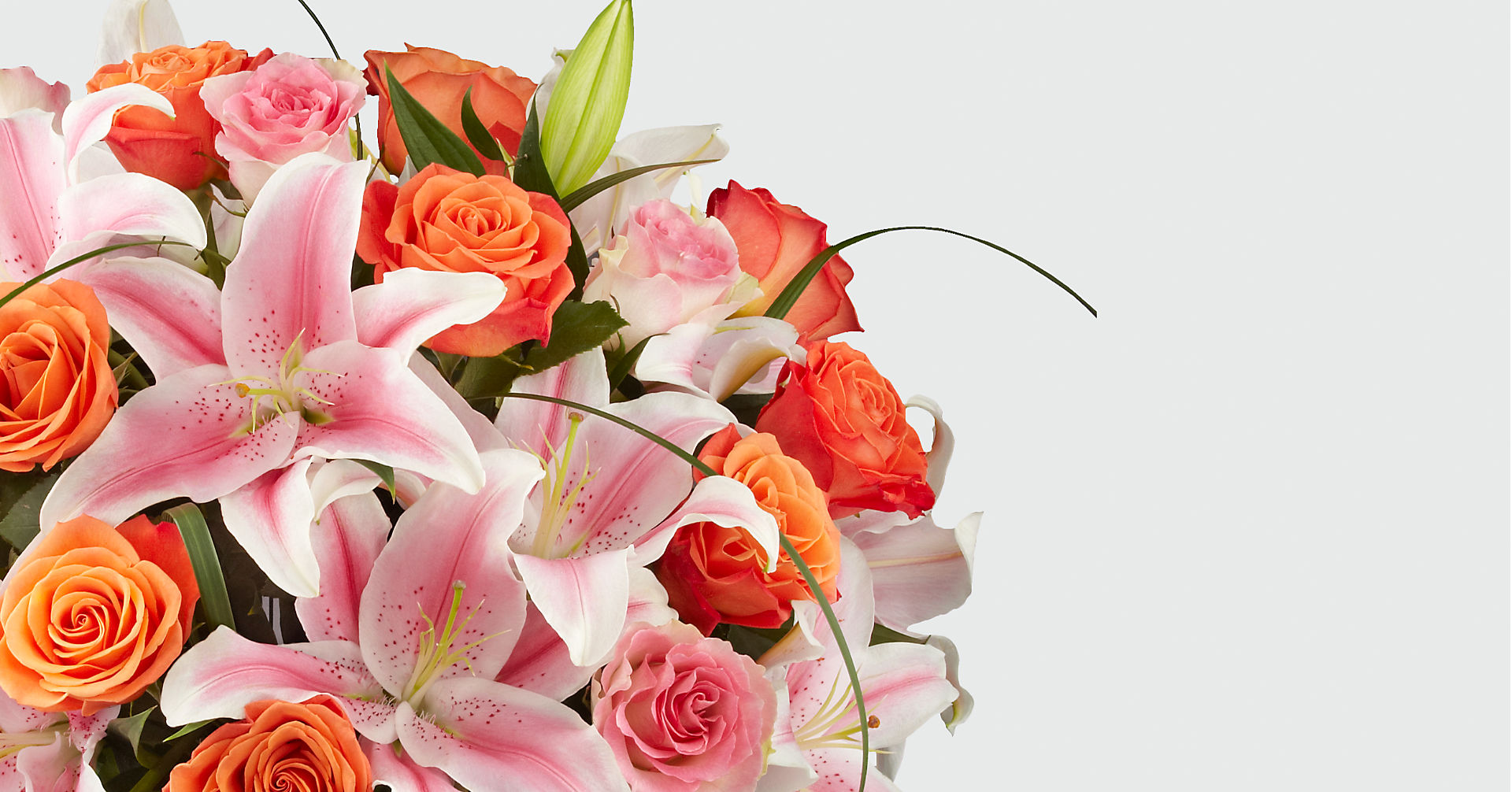 Sweetly Stunning™ Luxury Bouquet - Image 3 Of 4