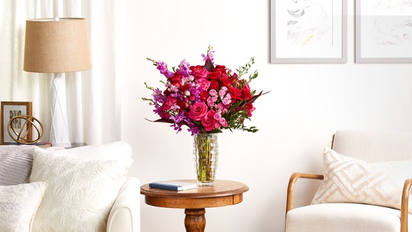 Heart's Wishes™ Luxury Bouquet - VASE INCLUDED - Image 4 Of 4
