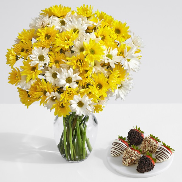 Yellow and White Daisies with 6 Fancy Strawberries